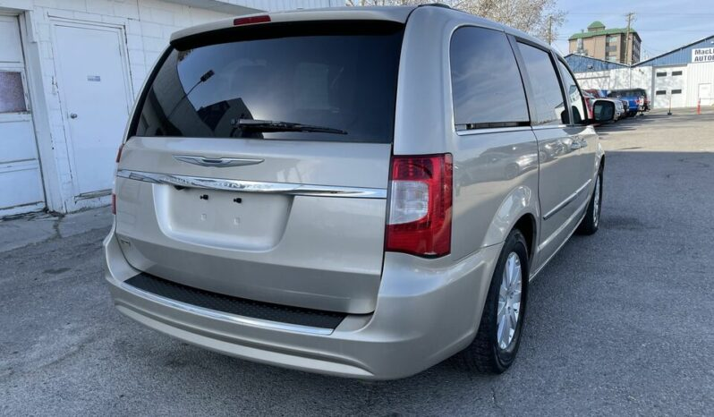 2013 CHRYSLER TOWN & COUNTRY TOURING | BACKUP CAMERA | SUNROOF full